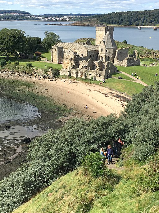 Photo: Inchcolm Island and Abbey